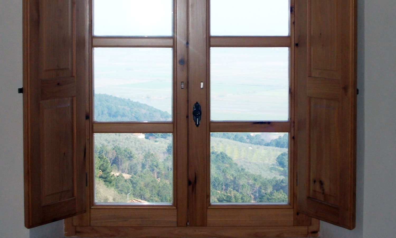 Finestre siena porte infissi serramenti monteriggioni toscana - Finestre in legno prezzo ...